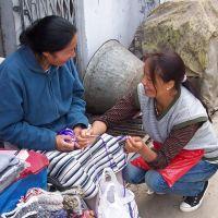 Profughi tibetani mantengono in vita le loro tradizioni