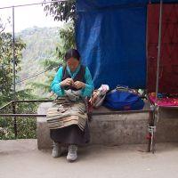 Le donne tibetane al lavoro